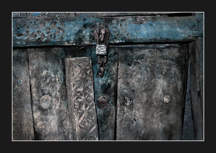 Old-door-&-lock