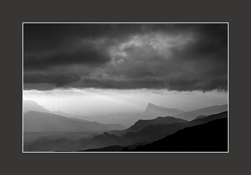 Storm-Coming-Jebel-Misht