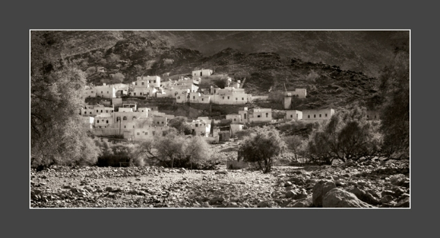 Morning-mist-Jebel-Village