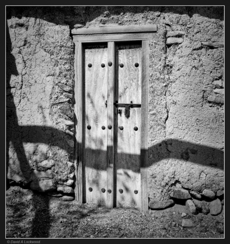 shadows-0n-door