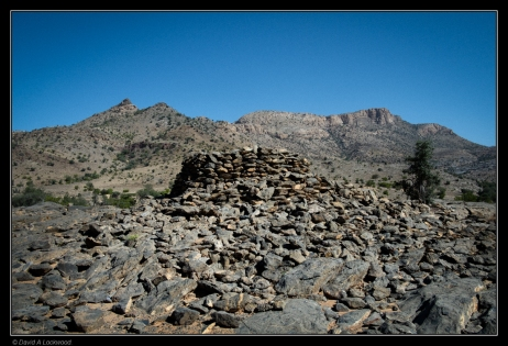 tomb-jebel-shams-plateau