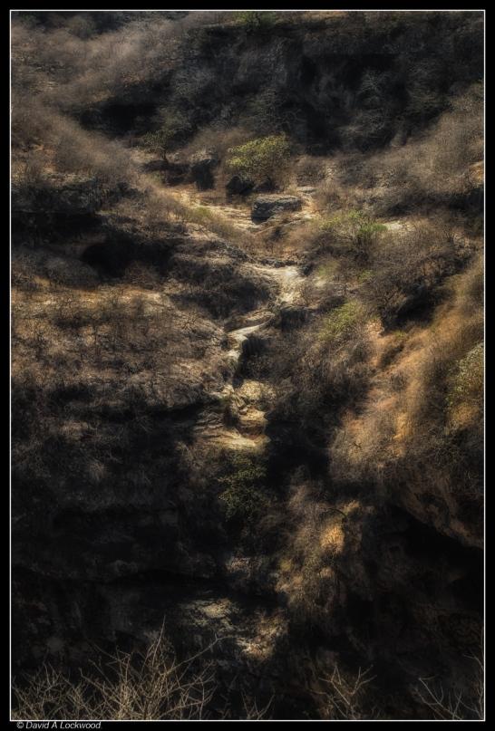 Tawi Atayr sinkhole - diffused