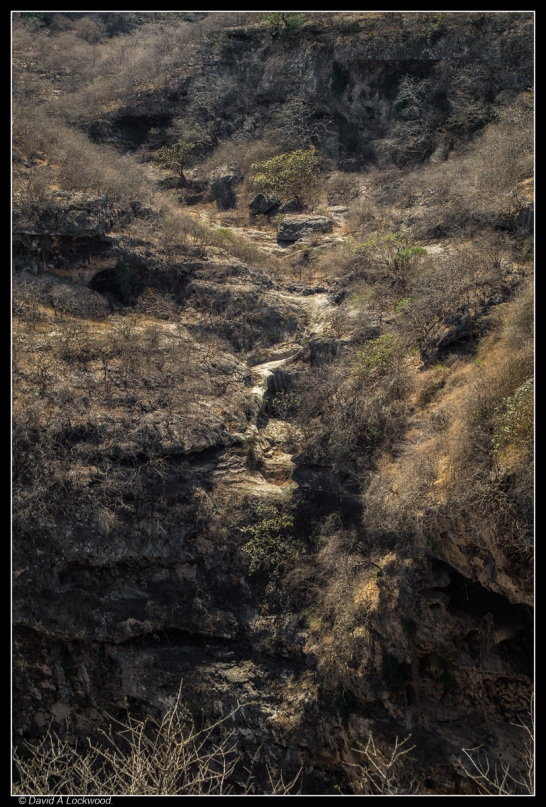 Tawi Atayr sinkhole